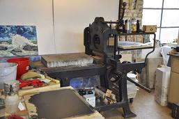 Lithographie-Presse im Atelier von Heinrich Hüsch